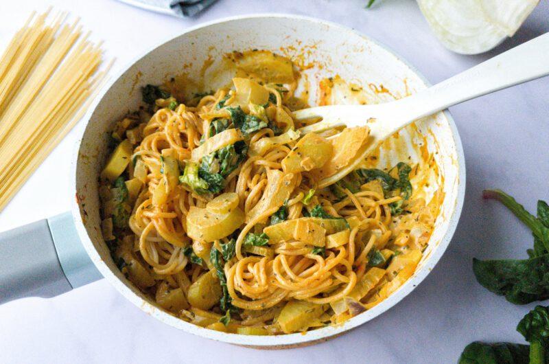 Schnelle cremige Spaghetti mit Fenchel und Spinat